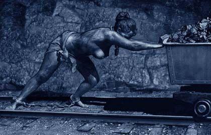 женщина шахтёр