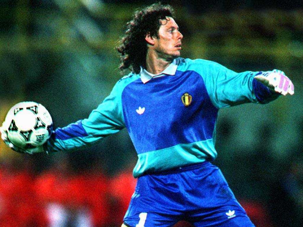 Defendeu sempre a camisa 1 tanto nos clubes que passou como na seleção  nacional. Preud homme é considerado um dos melhores goleiros história do  futebol. 9ddbf5001d92c