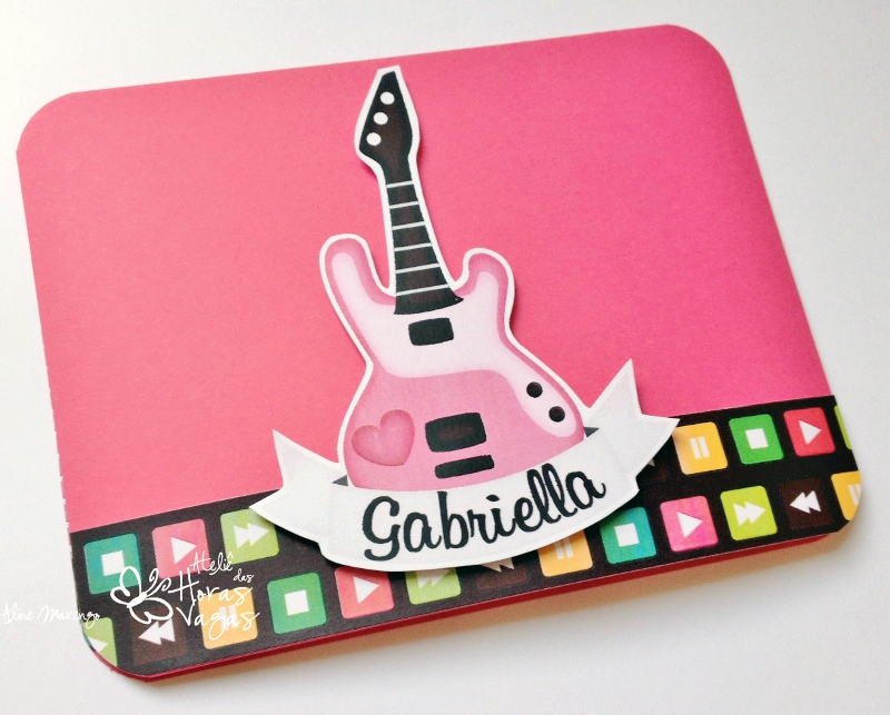 convite artesanal aniversário infantil 10 anos rock and roll música roqueira menina pink guitarra festa