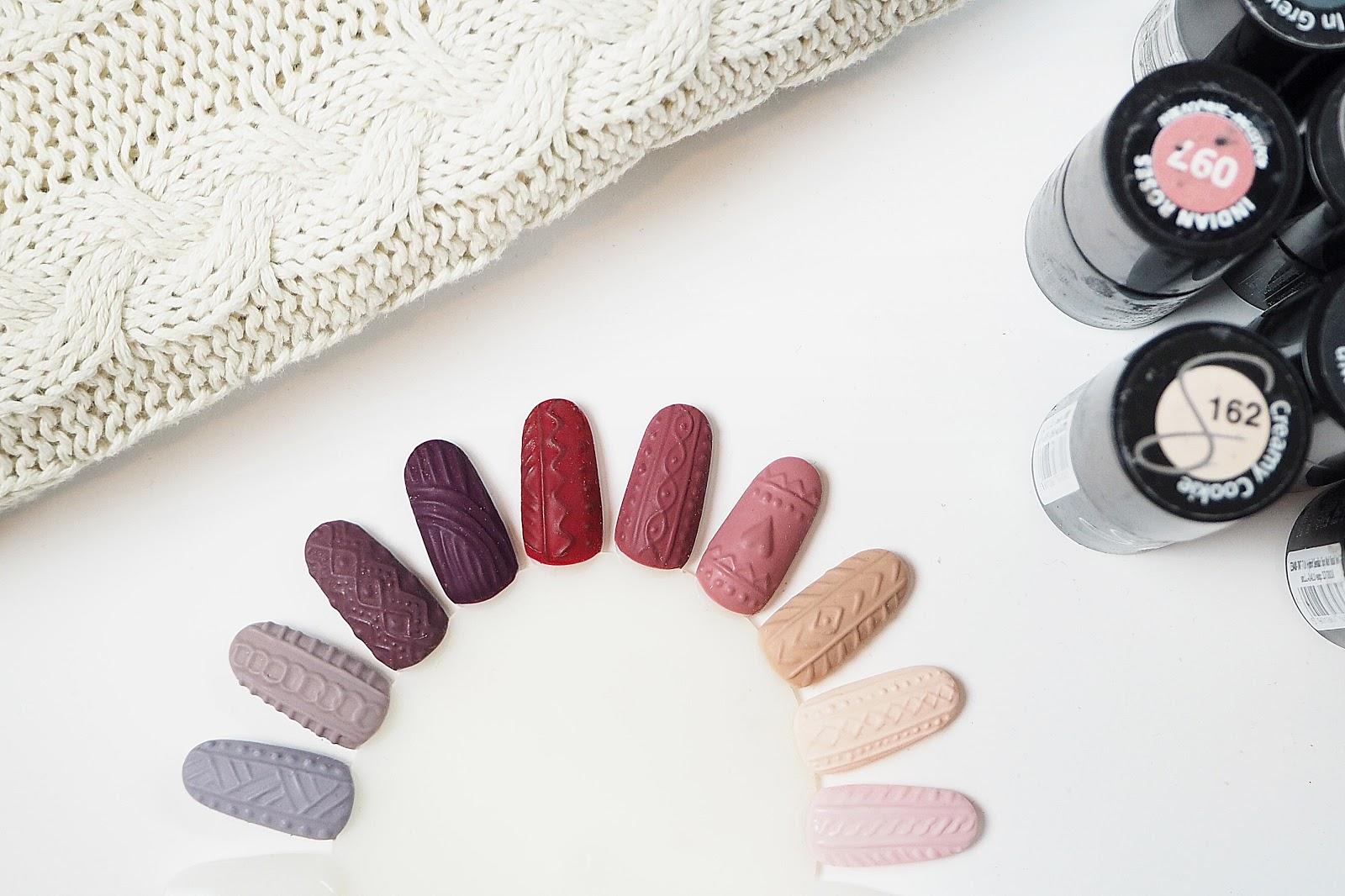 paznokcie sweterek