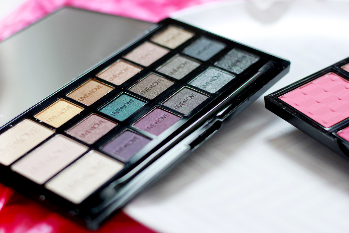 an image of Live Love London Makeup Eyeshadow Palette