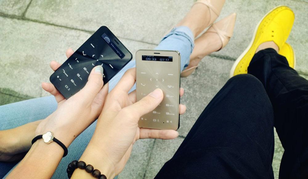 3 Ay Şarjı Dayanan Telefon Janus One