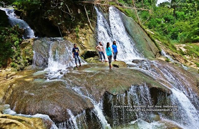 Air Terjun Goa Luweng yang Menyejukkan Mata