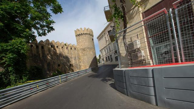 Fantastis !! Kecepatan di Sirkuit Jalan Raya Baku Melebihi Sirkuit Normal