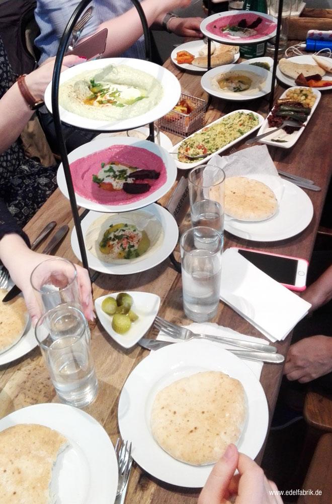 Leckeres Essen im Humus in Berlin