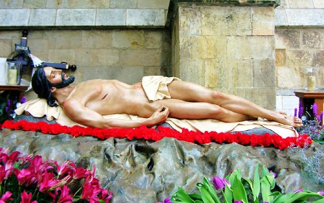 Santísimo Cristo Esperanza de la Vida. Hermandad del Santo Sepulcro. León. Foto G. Márquez.