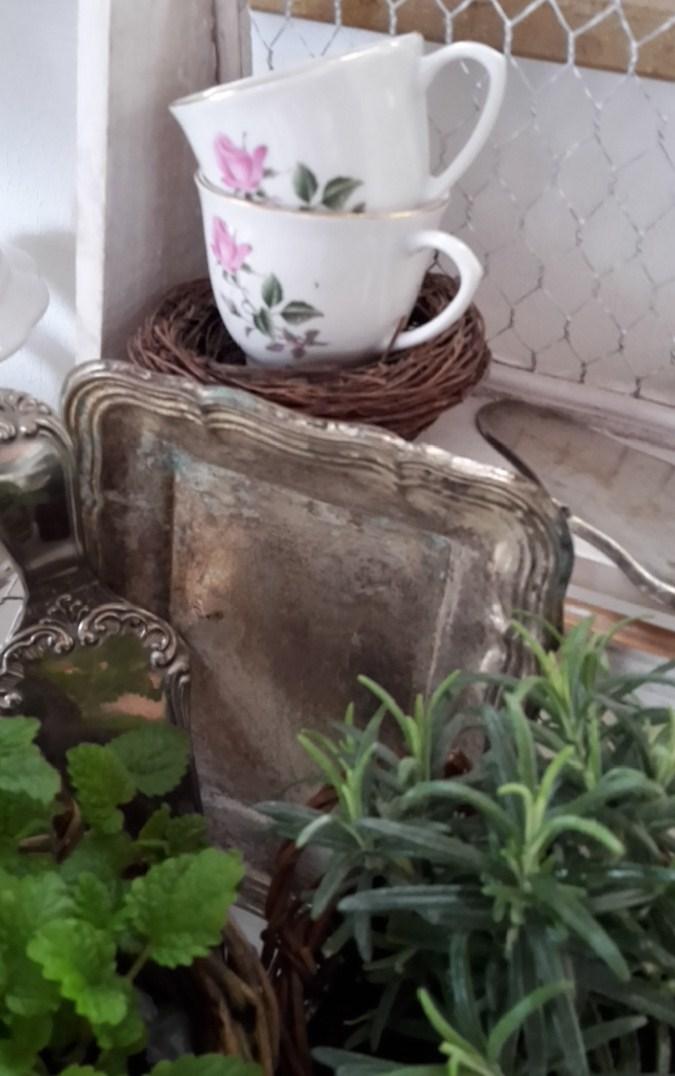 Shabby House And Garden Kleiner Frühjahrsgruß Mit Schlenkerhase