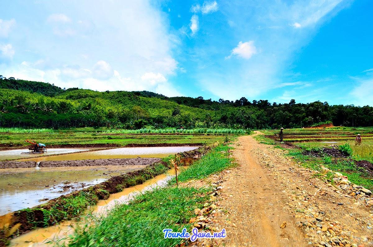 gambar Pantai Sembilan Giligenting