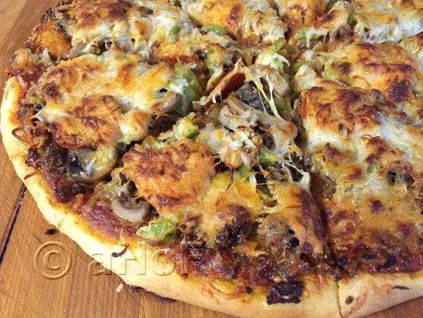 Hamburger Pizza with Green Pepper and Mushrooms