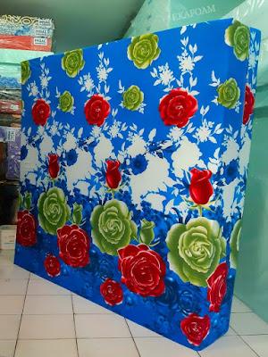 Kasur inoac motif bunga kembang mawar biru