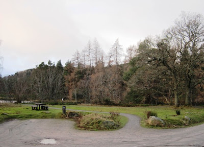 Deeside walks: the path around Ballater Golf Course from the car park