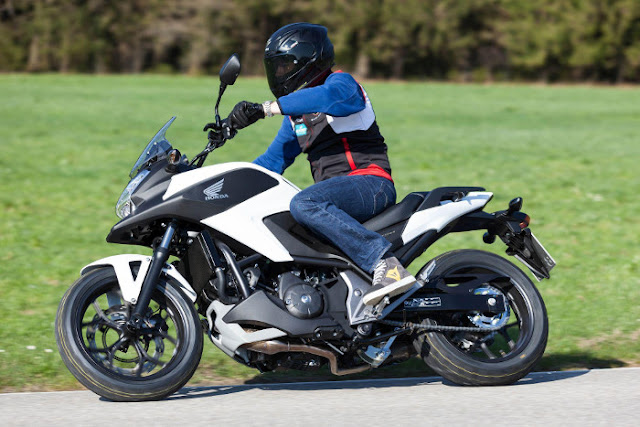 Honda NC750X DCT 2015, Small Crosstourer Technology