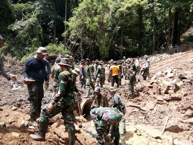 Hari Ini, Personel TMMD ke 104 Kodim 1422/Maros Pasang Gorong-gorong di Lokasi TMMD