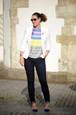 http://seaofteal.blogspot.de/2015/10/color-party-white-stripes.html