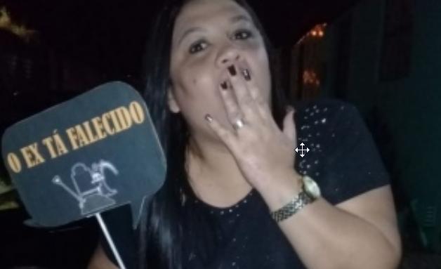 Alagoana chama atenção ao organizar festa para comemorar divórcio