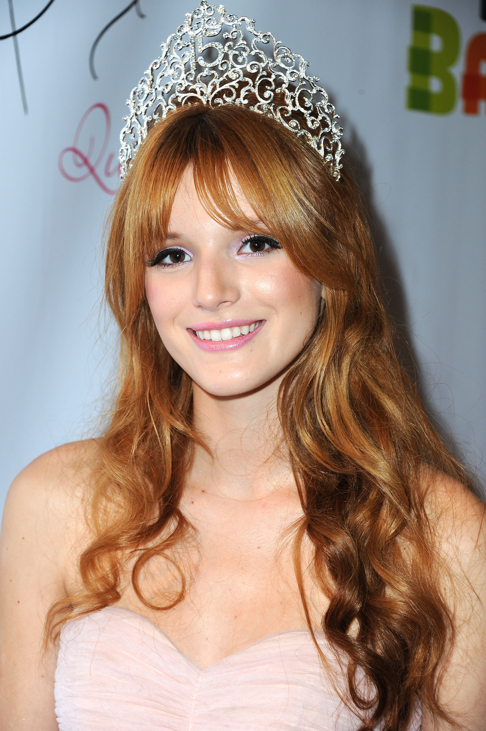 Bella Thorne pictures gallery (52) | Film Actresses