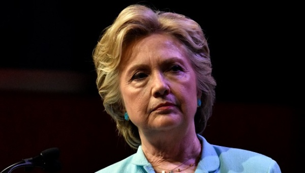 Familiares de muertos en ataque en Libia demandan a Clinton