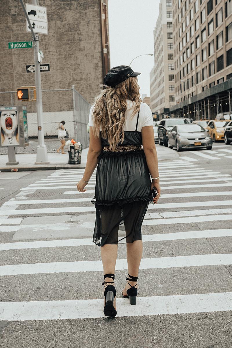 layered fall outfit, blonde hair, balayage hair