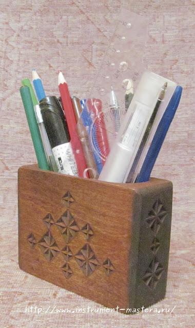 Карандашница деревянная резная