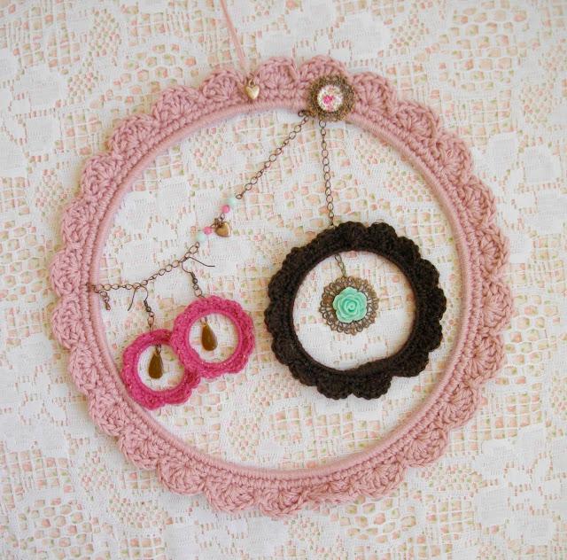 Une Fille à Frange, crochet, DIY, porte-bijoux, La Perle des Loisirs