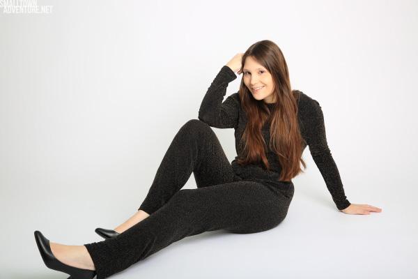 Zeiptunkt-Serienfan-Netflix-Studie-jumpsuit-ootd - H&M - fashionblogger - Trend: Jumpsuit - Langer Jumpsuit - elegant - Partyoutfit - Kolumne-Geständnisse Serienjunkie