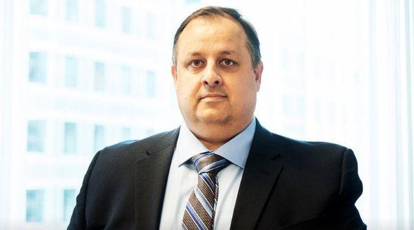 Renuncia director de la Oficina de Ética Gubernamental, EE.UU.