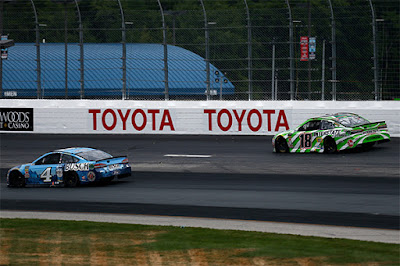 With the No. 18 Toyota in the lead, Harvick consistently narrowed the gap lap-by-lap, until lap 294. Harvick passed the No. 18 on the inside to take the lead and went onto lead the last 6 laps of race to take the checkered flag.
