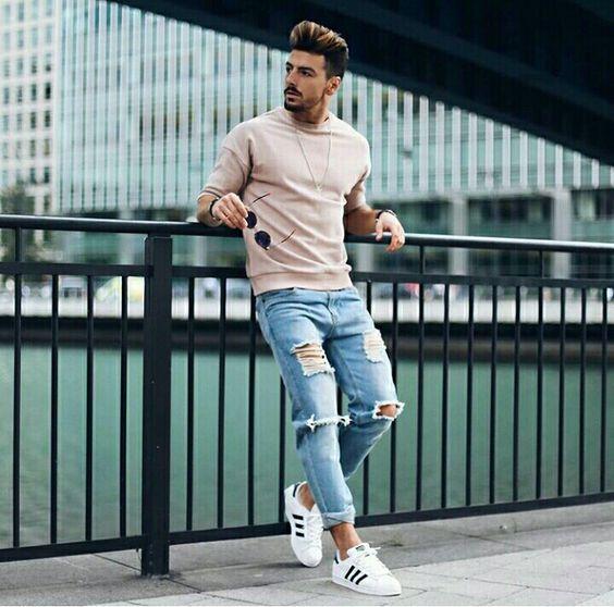 Resultado de imagem para calças jeans destroyed moda masculina