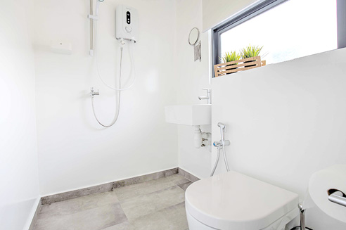 One Tree at Outram Premier Suites - Bathroom