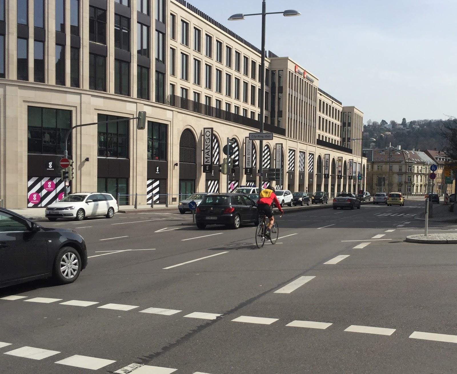 Radfahren in Stuttgart: Streitpunkt Radstreifen