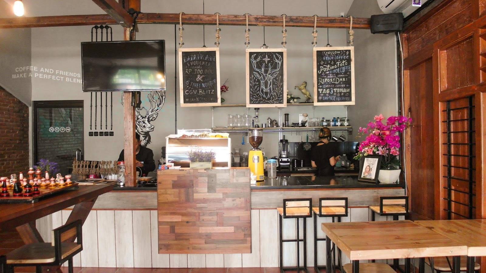 Noe coffee and kitchen berlokasi di jl dr wahidi sudirohusodo 68 yogyakarta buat yang belum tahu jl dr wahidi sudirohusodo itu dimana ada di selatan