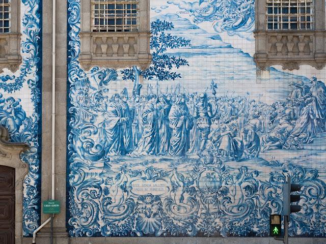 Azulejos de la iglesia do Carmo, Oporto
