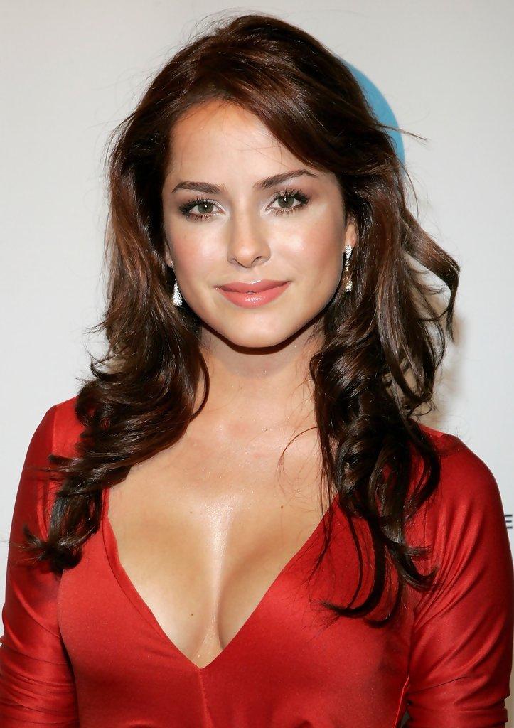 50 most beautiful female celebrities