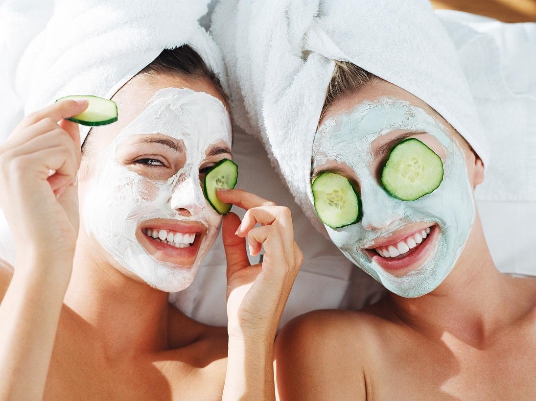 Masker Menghaluskan Dan Mencerahkan Wajah Dengan Cepat Dan Alami