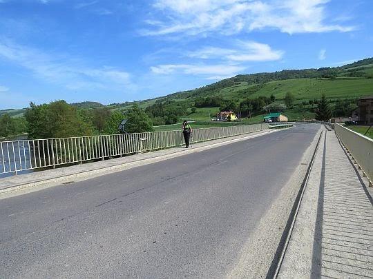 Most nad Wisłoką w Kątach.