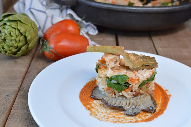 Arroz con verduras y salsa de romesco