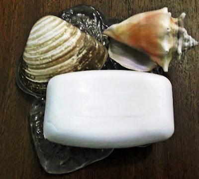sabonete lux branco e limpeza