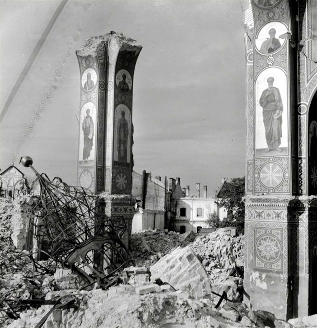 Una catedral destruida.