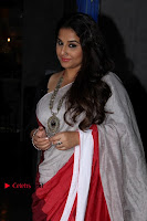 Bollywood Actress Vidya Balan Pos in Saree at Live in Conversation With Renil Aham  0002.jpg