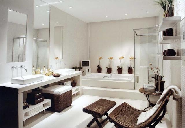 Spacious Bathrooms Decor 4