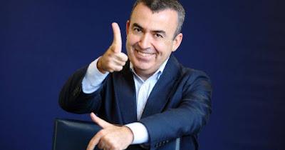 http://www.elperiodicodearagon.com/noticias/escenarios/lorenzo-silva-los-viven-reyerta-bronca-siempre-ganan_798690.html
