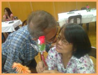 Gil kissing Rebing