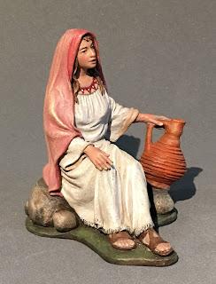 mujer con jarra