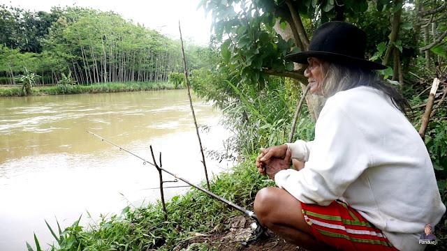 Pemancing dari Tulungagung