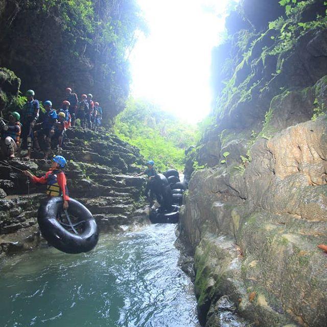 Paket cave tubing kalisuci Gunung Kidul Jogja