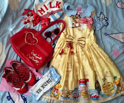 sweet lolita kawaii cute harajuku fashion outfit dress