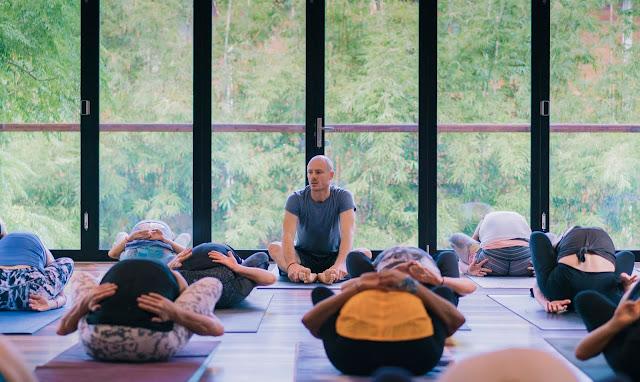 Ashtanga Yoga là gì và những lợi ích tuyệt vời từ nó
