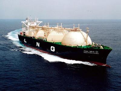 سفينة لشحن الغاز المسال عبر البحر