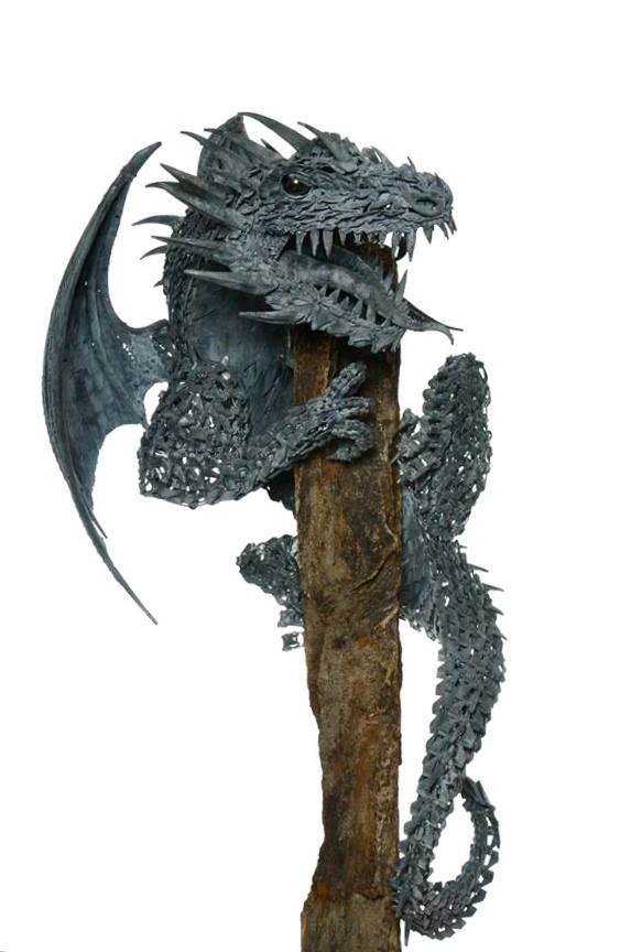 05-Dragon-Alan-Williams-Animals-Sculptured-with-Recycled-and-Upcycled-Metal-www-designstack-co