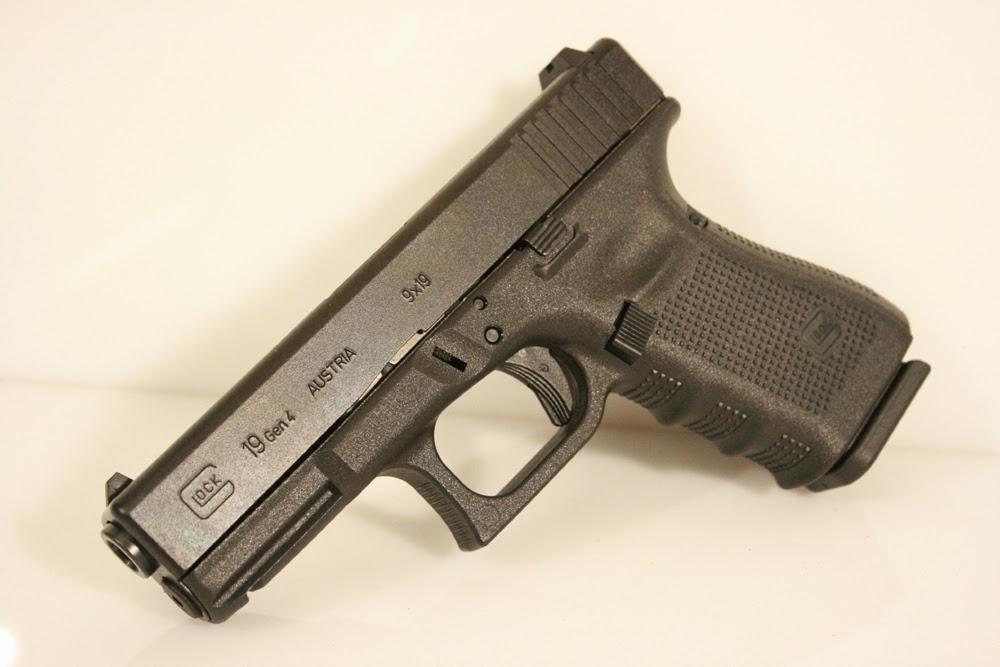Hand Guns: Glock